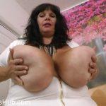 Watch Porno Hub Online – Clips4Sale presents Suzie Q aka Suzie 44K in Cum On My Tits (MP4, HD, 1280×720)