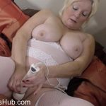 Watch Porno Hub Online – Mature.nl presents Cindy S. (EU) (59) in British curvy housewife Cindy fingering herself – 23.01.2018 (MP4, FullHD, 1920×1080)
