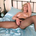 Watch Porno Hub Online – Pantyhosed4U presents Sapphire Blue – Wardrobe change – 21.03.2018 (MP4, FullHD, 1920×1080)